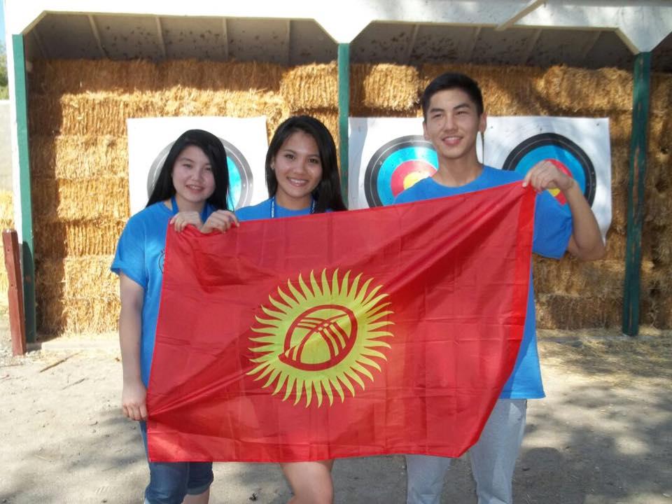 asemgul-edilbek-akmaral-sao-flag