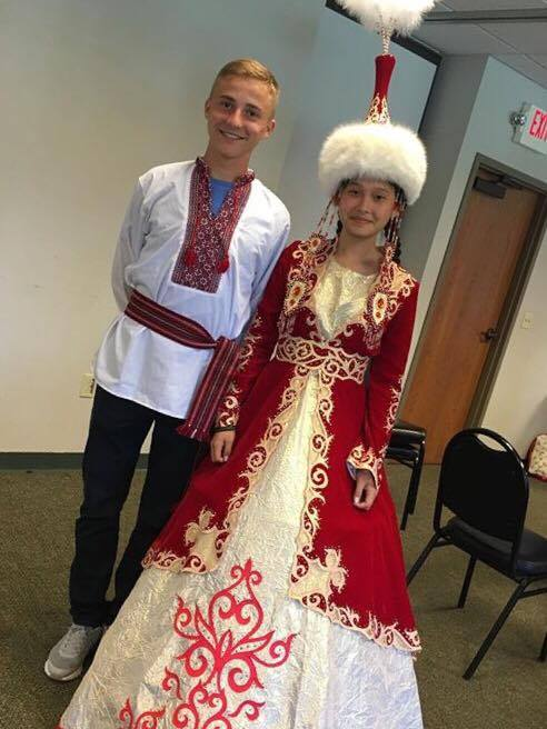 dan-nurzhaina-sao-traditional-dress