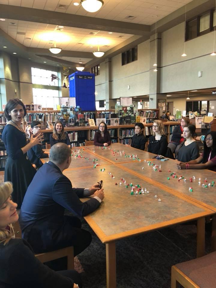The Ministry of Education delegates, American students, and World Link FLEX Program students during their round-table discussion.