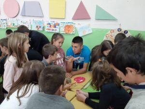 Branislav working with participants of his bridge-building workshop.